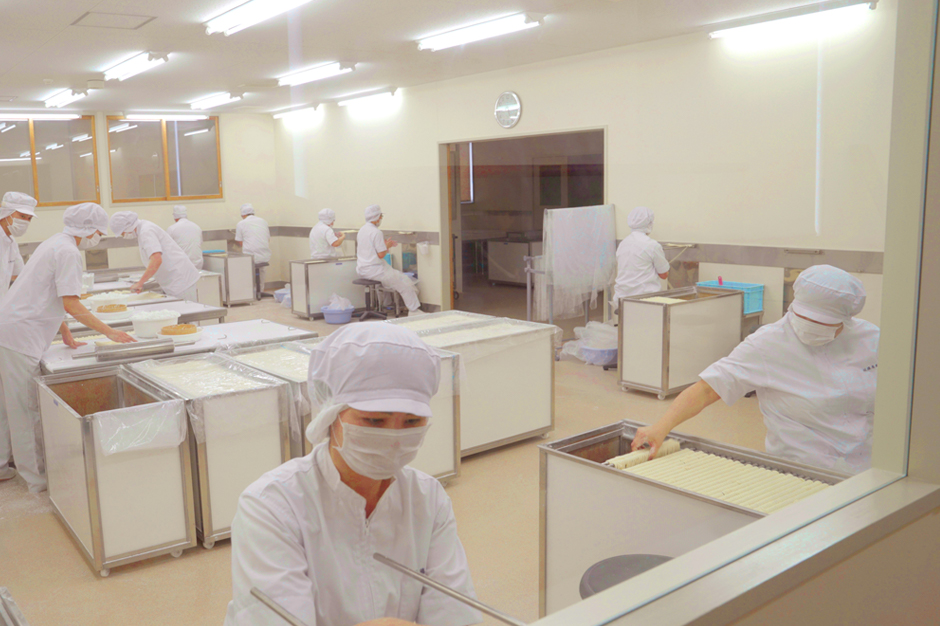 稲庭うどん 製造工場見学と手作り体験コース