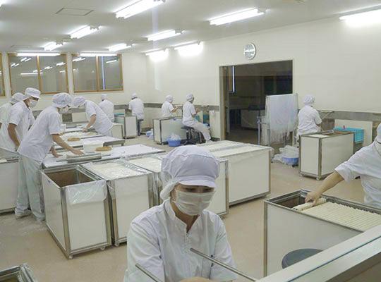 佐藤養助 製造工場見学コース 2.手綯い・つぶし